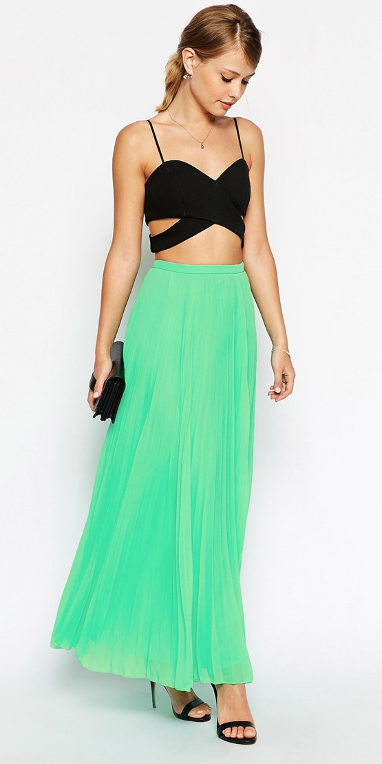 black-crop-top-bustier-blonde-black-shoe-sandalh-black-bag-clutch-green-emerald-maxi-skirt-spring-summer-dinner.jpeg