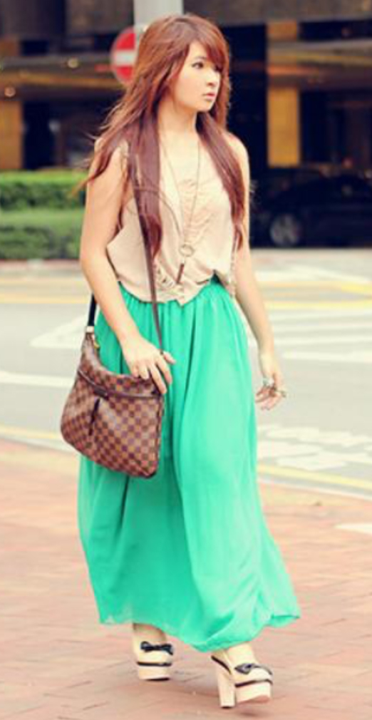 green-emerald-maxi-skirt-tan-cami-necklace-pend-brown-bag-white-shoe-pumps-wear-style-fashion-spring-summer-hairr-lunch.jpg