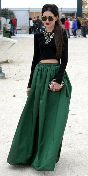 black-crop-top-bib-necklace-pony-brun-sun-green-dark-maxi-skirt-fall-winter-dinner.jpg