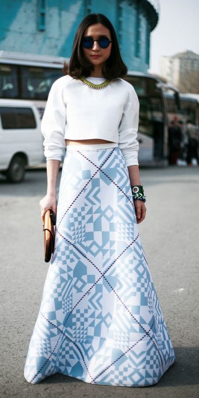 white-crop-top-necklace-brun-sun-print-blue-light-maxi-skirt-fall-winter-dinner.jpg
