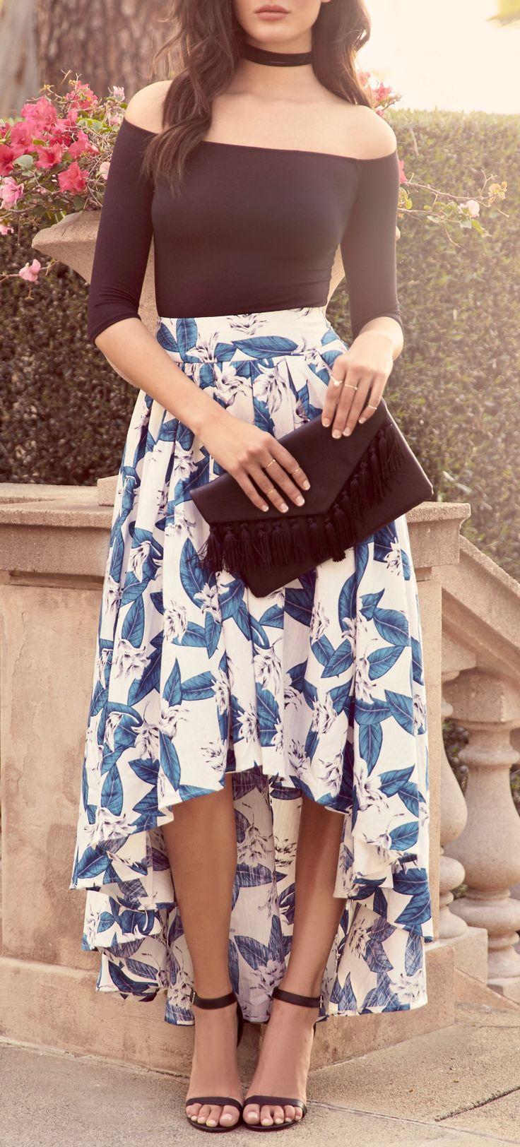 blue-med-maxi-skirt-print-black-top-offshoulder-choker-black-bag-clutch-black-shoe-sandalh-brun-spring-summer-dinner.jpg