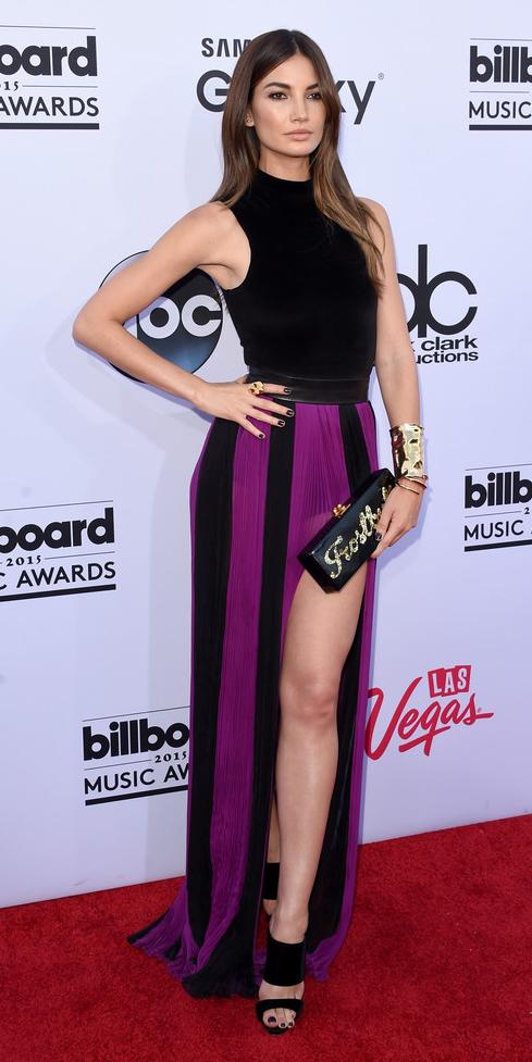 purple-royal-maxi-skirt-slit-vertical-stripe-black-top-brun-black-shoe-sandalh-bracelet-fall-winter-dinner.jpg