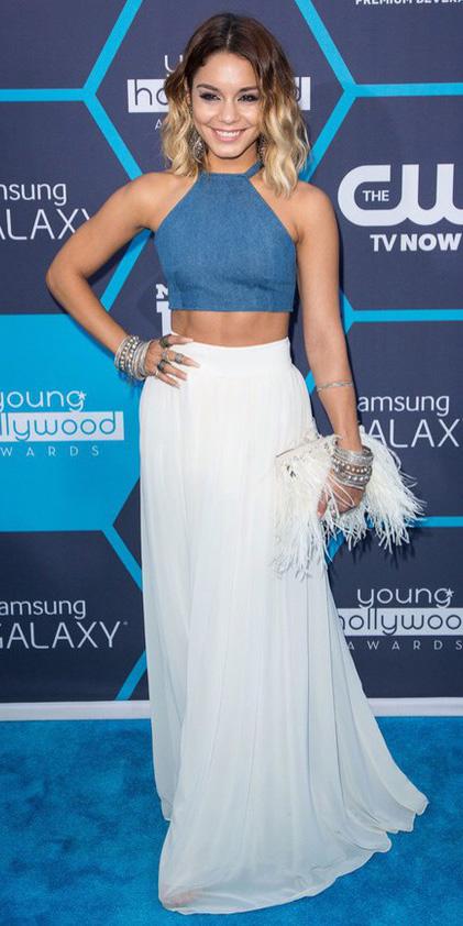 blue-med-crop-top-blonde-lob-bracelet-vanessahudgens-white-bag-clutch-white-maxi-skirt-spring-summer-dinner.jpg
