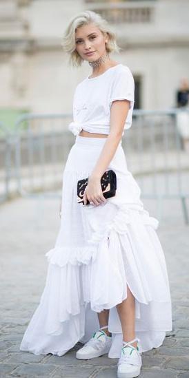 white-tee-choker-mono-blonde-bob-black-bag-clutch-white-shoe-sneakers-white-maxi-skirt-spring-summer-dinner.jpg