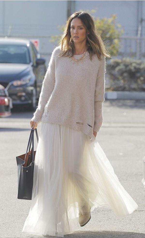 white-sweater-necklace-hairr-jessicaalba-black-bag-tote-white-shoe-booties-mono-white-maxi-skirt-fall-winter-lunch.jpg