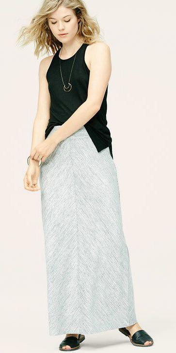 grayl-maxi-skirt-black-top-tank-blonde-black-shoe-sandals-spring-summer-weekend.jpg