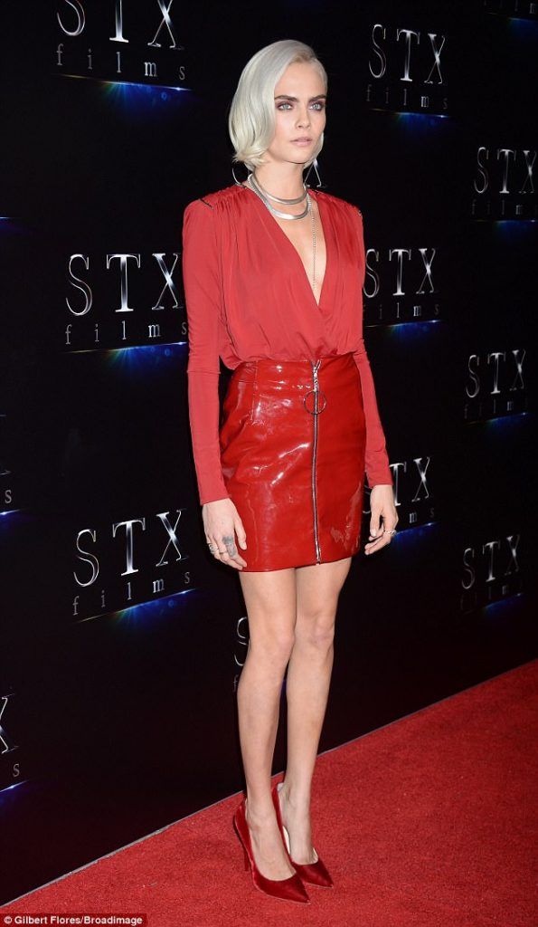 how-to-style-red-mini-skirt-mono-blonde-necklace-red-top-blouse-red-shoe-pumps-fall-winter-fashion-dinner.jpg