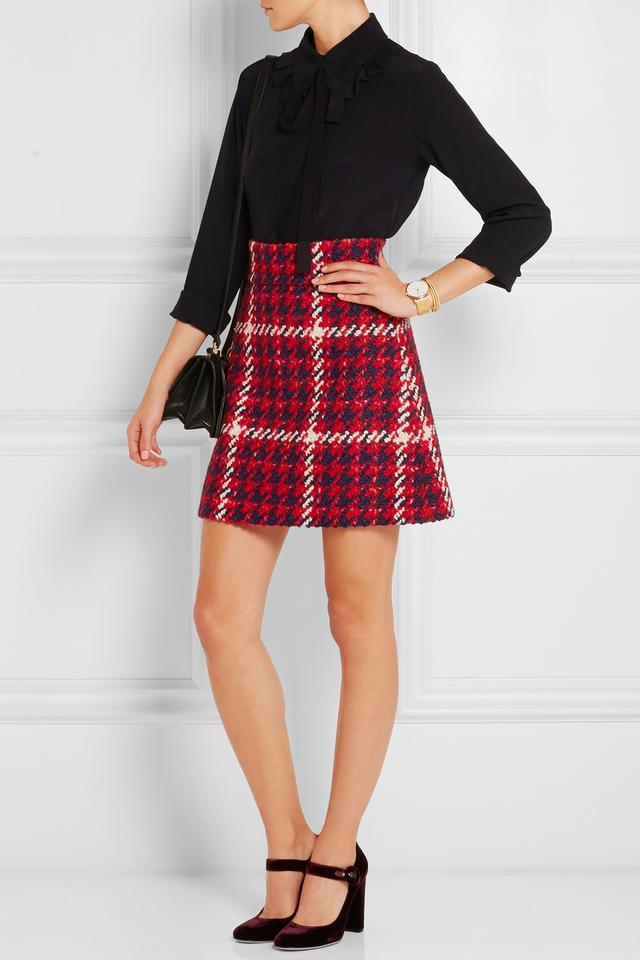 red-mini-skirt-houndstooth-black-top-blouse-black-bag-burgundy-shoe-pumps-velvet-fall-winter-lunch.jpg