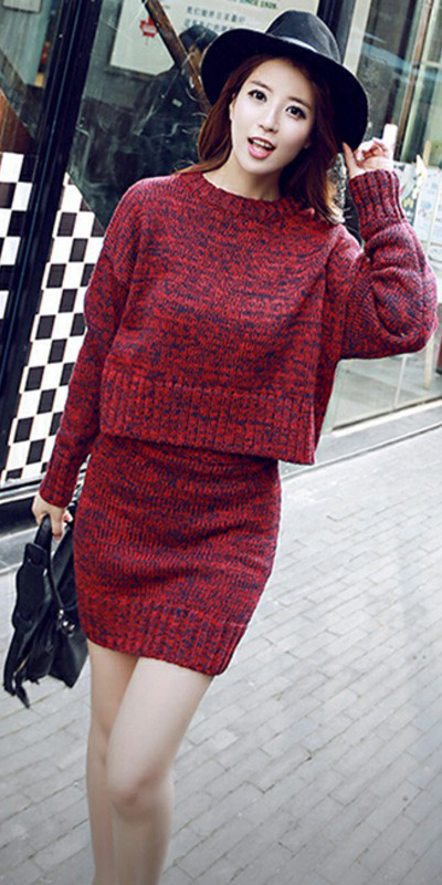 red-mini-skirt-red-sweater-hat-black-bag-fall-winter-hairr-lunch.jpg