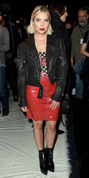 how-to-style-red-mini-skirt-leather-black-jacket-moto-blonde-bob-black-shoe-booties-fall-winter-fashion-dinner.jpg