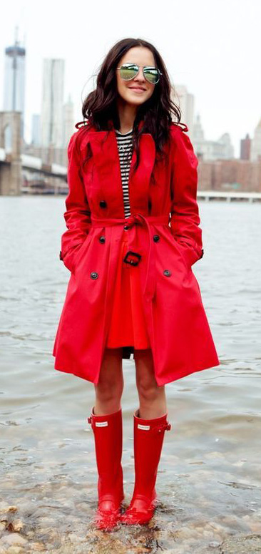 red-mini-skirt-red-jacket-coat-trench-red-shoe-boots-rain-wellies-sun-black-tee-stripe-fall-winter-brun-lunch.jpg