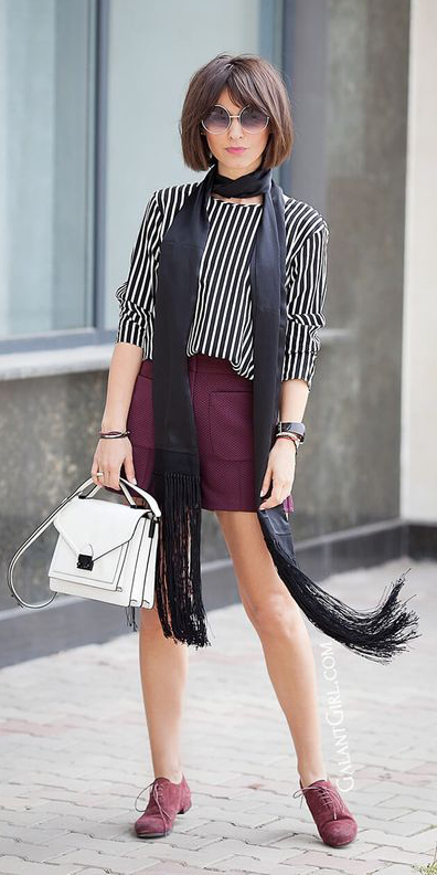 burgundy-mini-skirt-black-top-blouse-stripe-black-scarf-hairr-sun-bob-white-bag-burgundy-shoe-brogues-fall-winter-weekend.jpg
