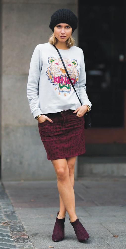 burgundy-mini-skirt-grayl-sweater-sweatshirt-graphic-beanie-blonde-black-bag-burgundy-shoe-booties-fall-winter-lunch.jpg
