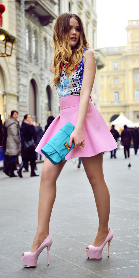 pink-light-mini-skirt-blue-bag-clutch-pink-shoe-pumps-spring-summer-blonde-dinner.jpg
