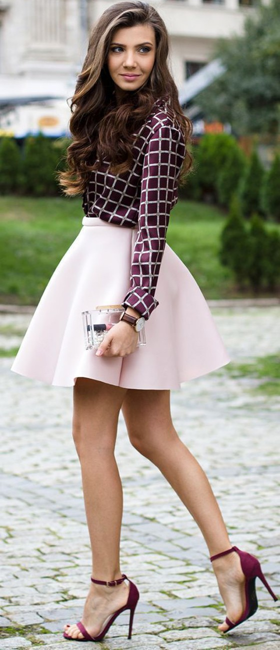 pink-light-mini-skirt-burgundy-top-blouse-print-burgundy-shoe-sandalh-fall-winter-hairr-dinner.jpg
