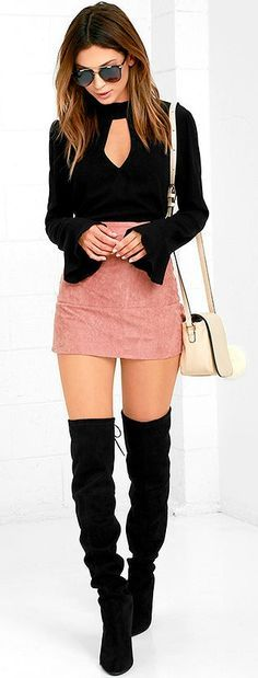 r-pink-light-mini-skirt-black-top-blouse-bellsleeve-white-bag-black-shoe-boots-sun-howtowear-fashion-style-outfit-spring-summer-hairr-dinner.jpg