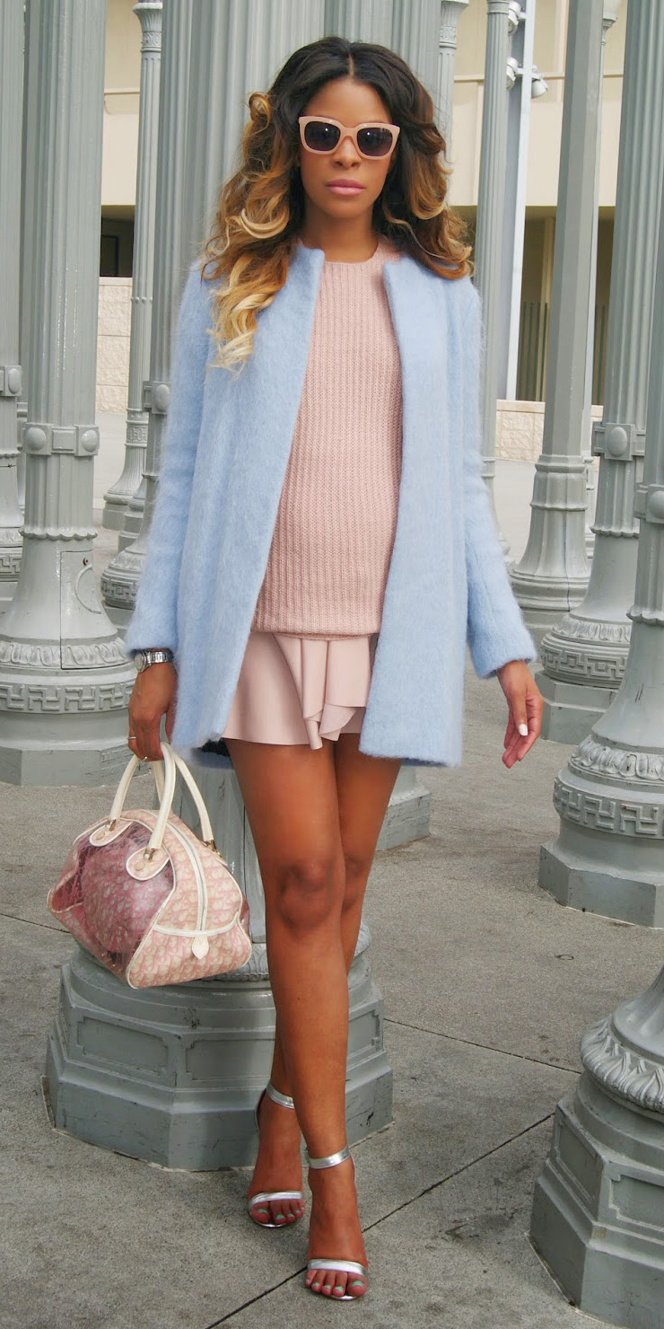 r-pink-light-mini-skirt-pink-light-sweater-blue-light-jacket-coat-gray-shoe-sandalh-sun-pink-bag-howtowear-fashion-style-outfit-spring-summer-hairr-dinner.JPG