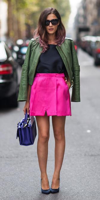pink-magenta-mini-skirt-green-olive-jacket-moto-sun-brun-blue-bag-black-shoe-pumps-fall-winter-lunch.jpg