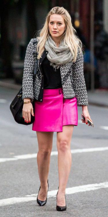 pink-magenta-mini-skirt-grayl-jacket-grayl-scarf-black-shoe-pumps-hilaryduff-fall-winter-blonde-lunch.jpg