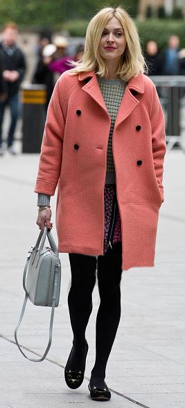 r-pink-magenta-mini-skirt-grayl-sweater-black-tights-black-shoe-flats-wear-style-fashion-fall-winter-peach-jacket-coat-gray-bag-fearnecotton-blonde-work.jpg