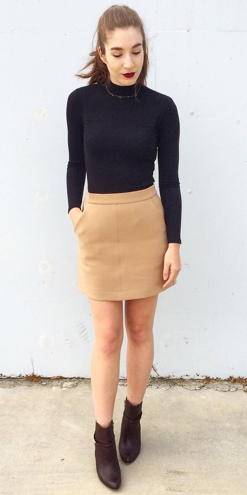 tan-mini-skirt-black-sweater-turtleneck-pony-fall-winter-hairr-lunch.JPG