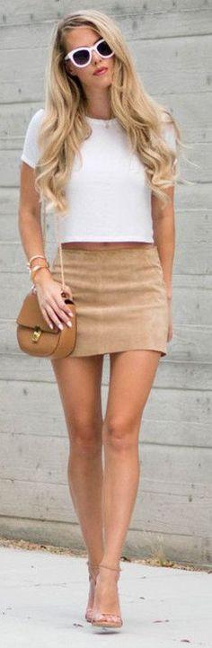 tan-mini-skirt-white-crop-top-cognac-bag-tan-shoe-sandalh-sun-spring-summer-blonde-dinner.jpg