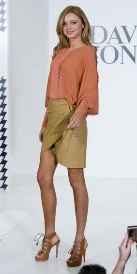tan-mini-skirt-orange-top-blouse-wrap-cognac-shoe-sandalh-mirandakerr-spring-summer-hairr-lunch.jpg