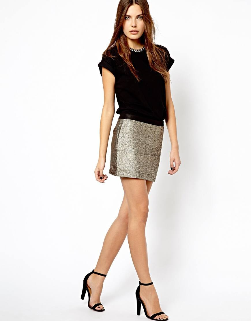 o-tan-mini-skirt-black-top-wear-style-fashion-spring-summer-black-shoe-sandalh-brun-dinner.jpg