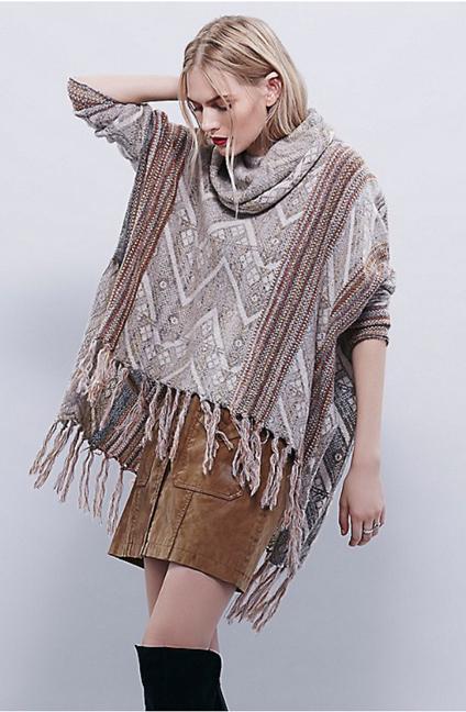 o-tan-mini-skirt-o-tan-sweater-wear-style-fashion-fall-winter-poncho-blonde-lunch.jpg
