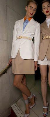 o-tan-mini-skirt-blue-light-top-white-jacket-blazer-belt-bun-tan-shoe-pumps-howtowear-fashion-style-outfit-spring-summer-blonde-work.jpg