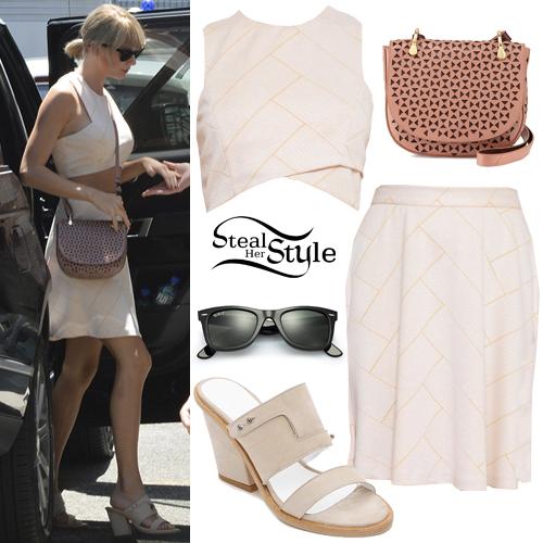 o-peach-mini-skirt-o-peach-top-crop-peach-bag-sun-pony-tan-shoe-sandalh-taylorswift-wear-style-fashion-spring-summer-slides-match-set-blonde-lunch.jpg