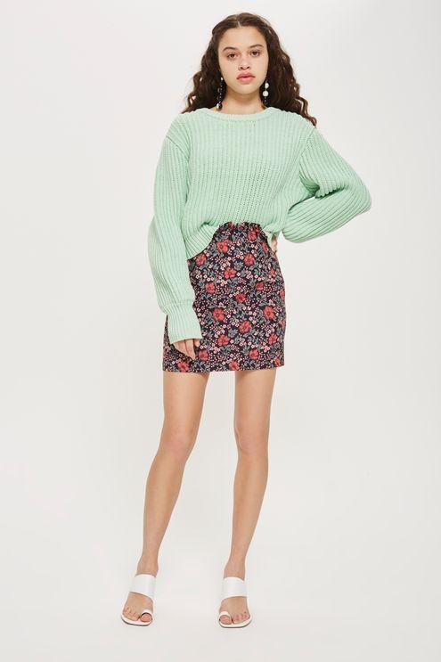 peach-mini-skirt-floral-print-green-light-sweater-white-shoe-sandalh-brun-spring-summer-lunch.jpg