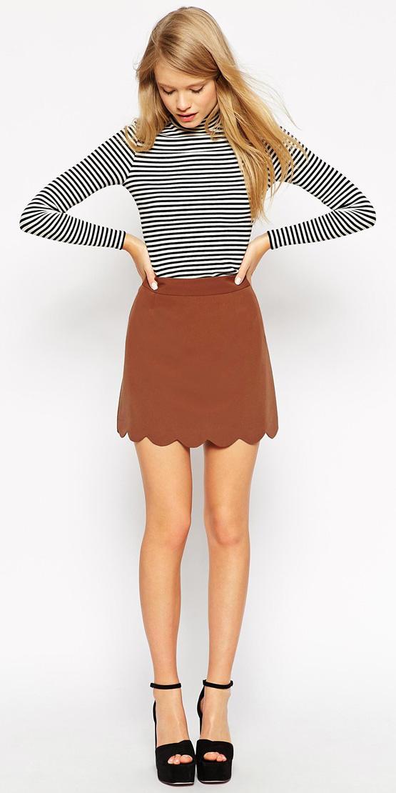 camel-mini-skirt-black-tee-stripe-black-shoe-sandalw-spring-summer-blonde-dinner.jpg