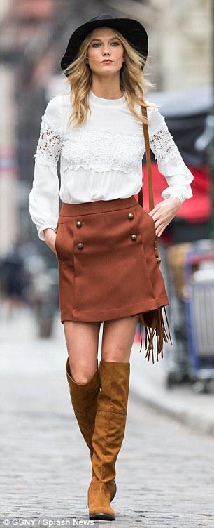 o-camel-mini-skirt-white-top-blouse-peasant-cognac-shoe-boots-cognac-bag-hat-wear-style-fashion-fall-winter-karliekloss-blonde-lunch.jpg