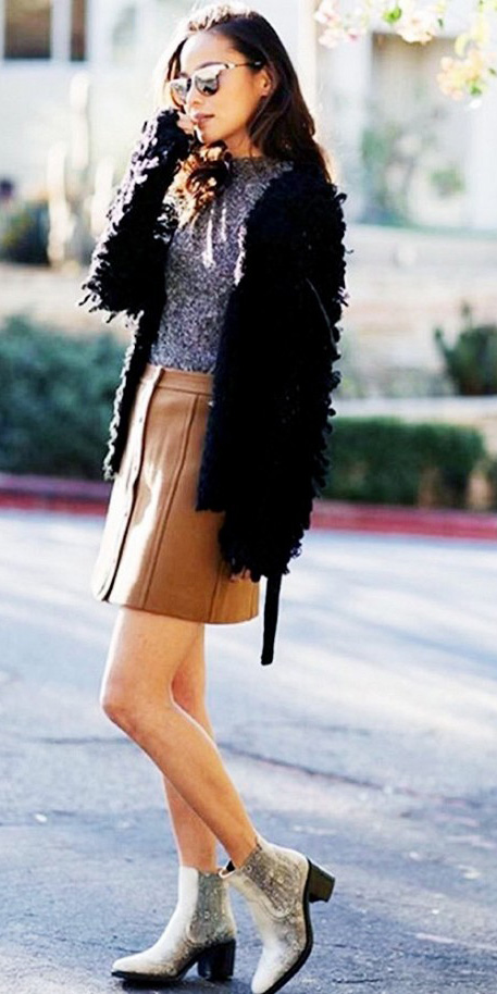 o-camel-mini-skirt-grayl-tee-black-jacket-coat-fur-fuzz-white-shoe-booties-sun-wear-style-fashion-fall-winter-brun-lunch.jpg