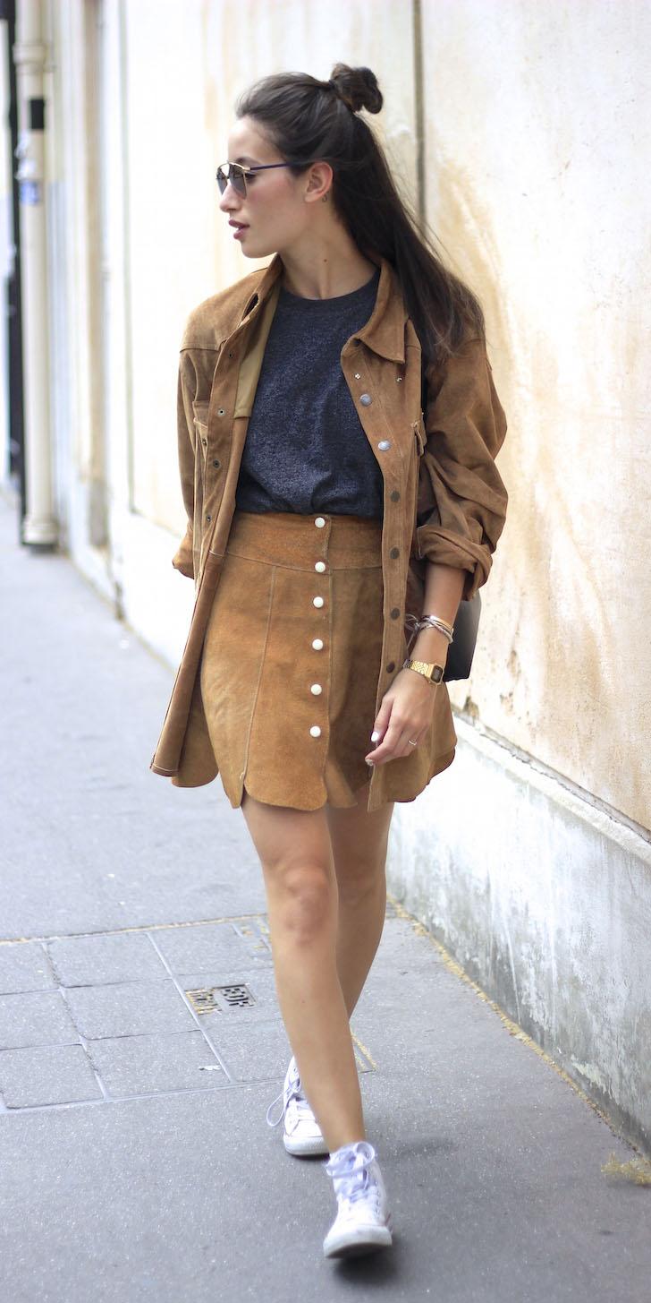camel-mini-skirt-camel-collared-shirt-brun-white-shoe-sneakers-spring-summer-weekend.jpg
