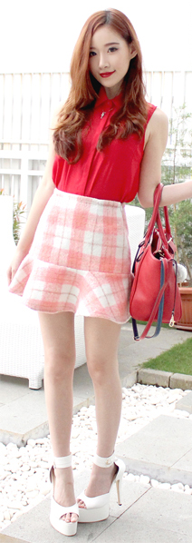 orange-mini-skirt-plaid-red-collared-shirt-red-bag-white-shoe-sandalh-spring-summer-hairr-lunch.jpg