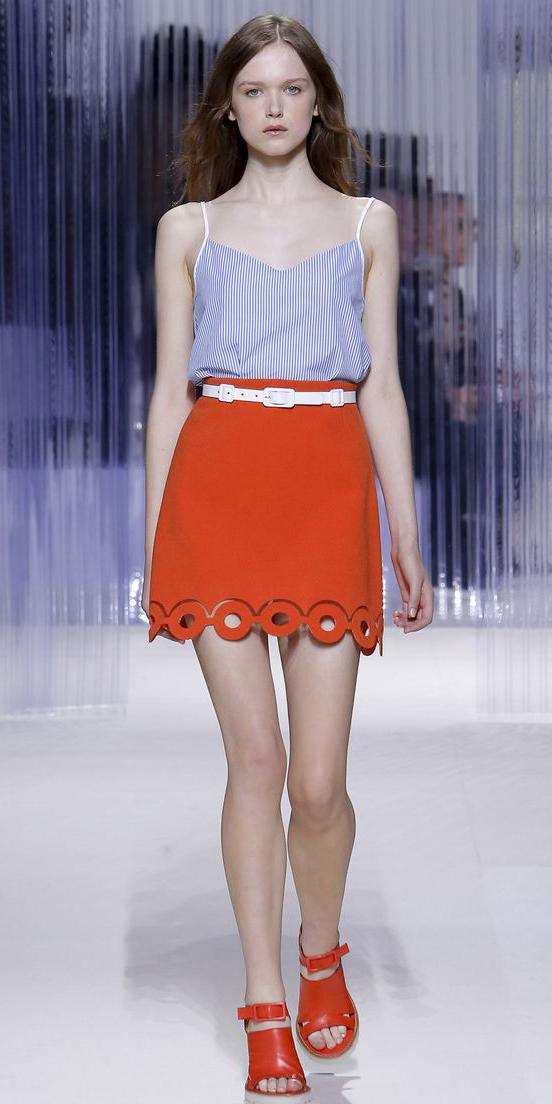 orange-mini-skirt-belt-blue-light-cami-orange-shoe-sandalh-spring-summer-hairr-lunch.jpg
