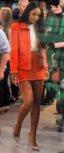 orange-mini-skirt-white-tee-orange-jacket-lady-tweed-suit-tan-shoe-pumps-necklace-rihanna-spring-summer-style-brun-work.jpg