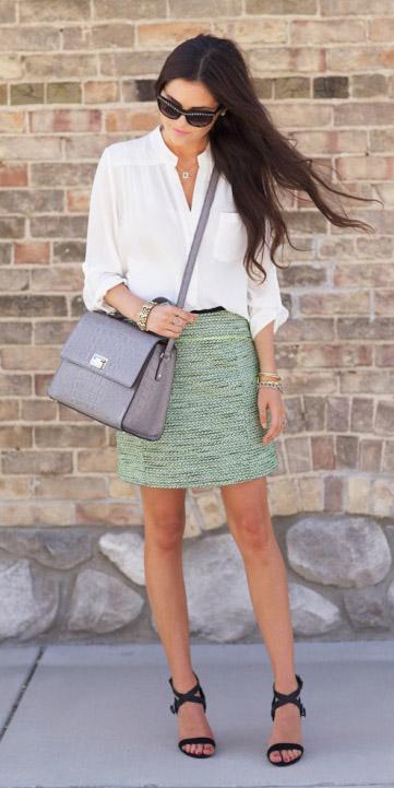 green-light-mini-skirt-tweed-white-top-blouse-black-shoe-sandalh-gray-bag-spring-summer-brun-work.jpg