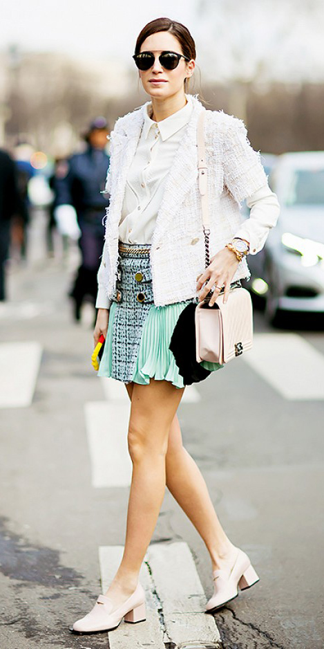 green-light-mini-skirt-white-collared-shirt-white-jacket-tweed-wear-style-fashion-spring-summer-white-shoe-brogues-white-bag-sun-bun-brun-lunch.jpg