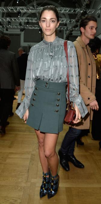 green-olive-mini-skirt-grayl-top-blouse-bun-brown-bag-wear-style-fashion-fall-winter-pleat-paris-france-brun-dinner.jpg