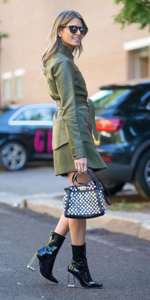 green-olive-mini-skirt-black-bag-sun-black-shoe-booties-green-olive-jacket-utility-spring-summer-blonde-dinner.jpg