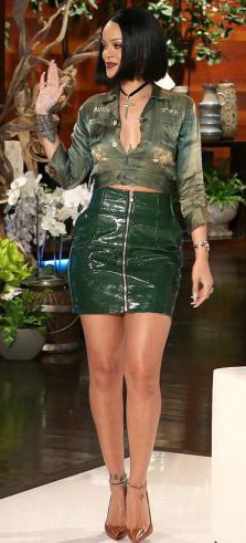 green-dark-mini-skirt-green-olive-top-crop-choker-cognac-shoe-pumps-rihanna-wear-style-fashion-spring-summer-ellendegeneres-leather-brun-dinner.jpg