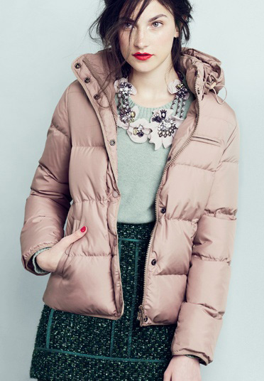green-dark-mini-skirt-tweed-jcrew-green-light-sweater-bib-necklace-pink-light-jacket-coat-puffer-fall-winter-hairr-lunch.jpg