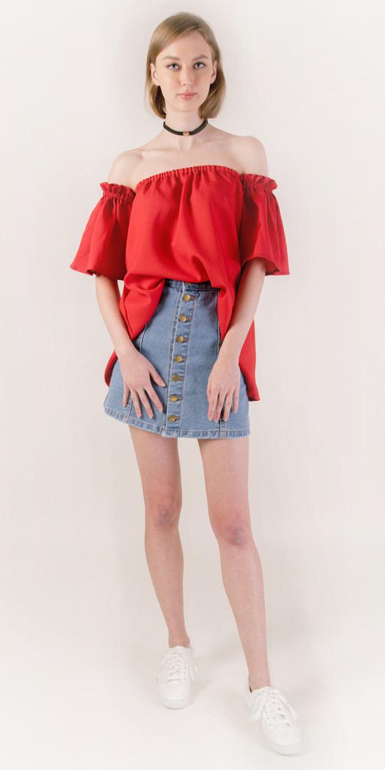 blue-light-mini-skirt-red-top-offshoulder-choker-blonde-white-shoe-sneakers-spring-summer-weekend.jpg