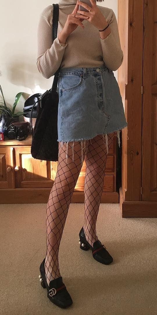 blue-light-mini-skirt-black-tights-black-shoe-pumps-tan-sweater-black-bag-fishnets-fall-winter-weekend.jpg
