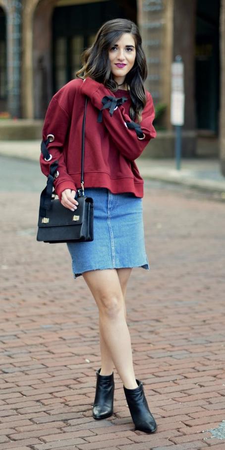 blue-light-mini-skirt-black-bag-red-sweater-sweatshirt-brun-black-shoe-booties-fall-winter-weekend.jpg