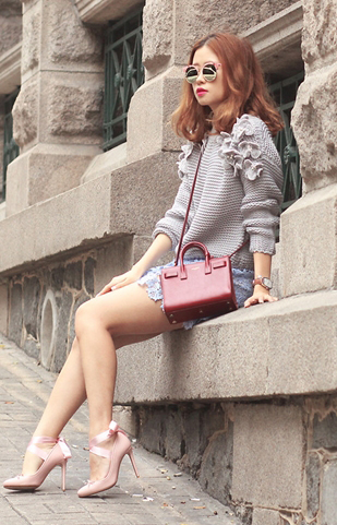blue-light-mini-skirt-grayl-sweater-red-bag-pink-shoe-pumps-sun-howtowear-fashion-style-outfit-spring-summer-hairr-lunch.jpg