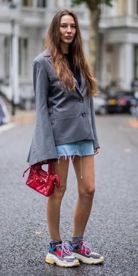 how-to-style-blue-light-mini-skirt-denim-grayl-jacket-blazer-hairr-red-bag-gray-shoe-sneakers-socks-fall-winter-fashion-weekend.jpg